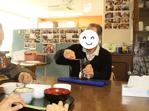 コーヒー豆挽き1jpg.jpg